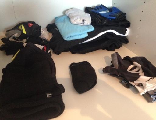 Een deel van de kleren, de rest hangt aan de waslijn.